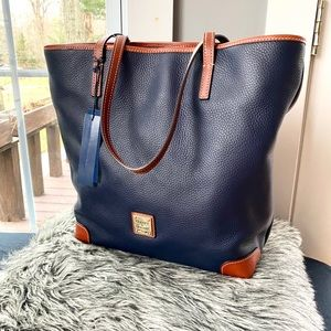NWT authentic Dooney and Bourke Luxe leather tote